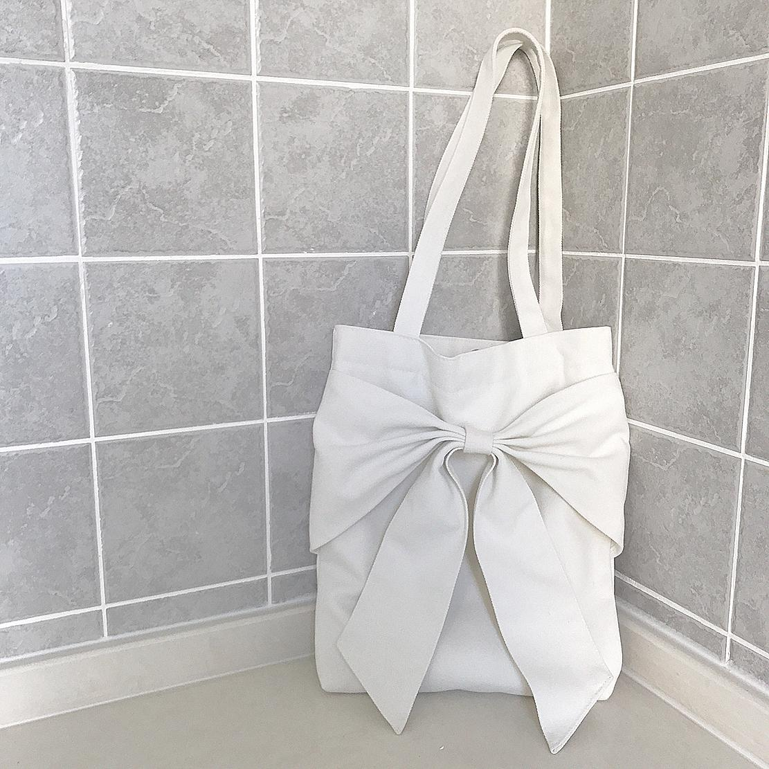 Three-dimensional Large Bow Shoulder Canvas Bag