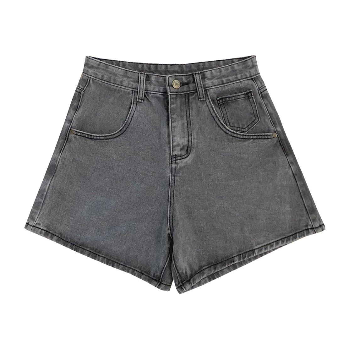 Lady's Small Rivets Denim Shorts