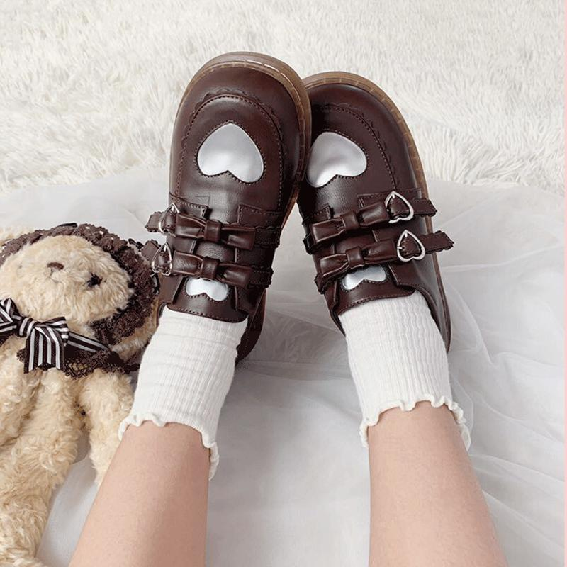 Lolita Bow Heart Buckle Flat Round Leather Shoes